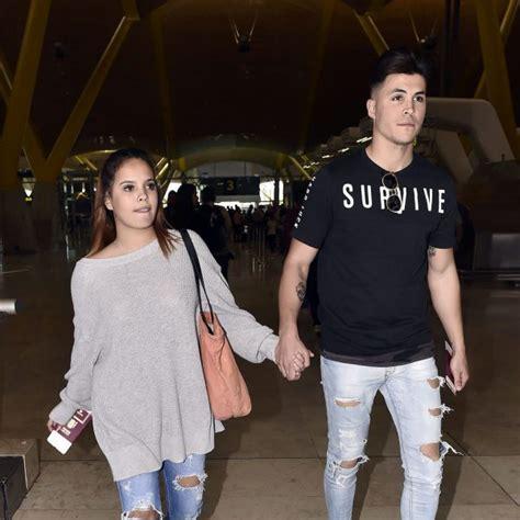 fotos de gloria calzada con du novio gloria camila con su novio kiko en el aeropuerto de madrid