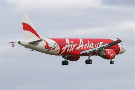 airasia perth to bali pk axw airbus a320 216 msn 5137 of indonesia airasia at