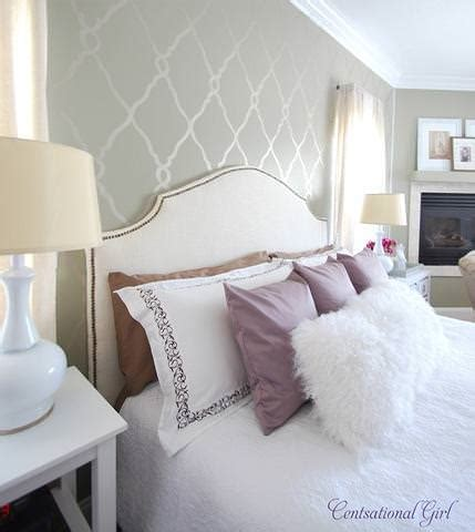 tori spelling bedroom 10 original accent wall projects decorating your small space