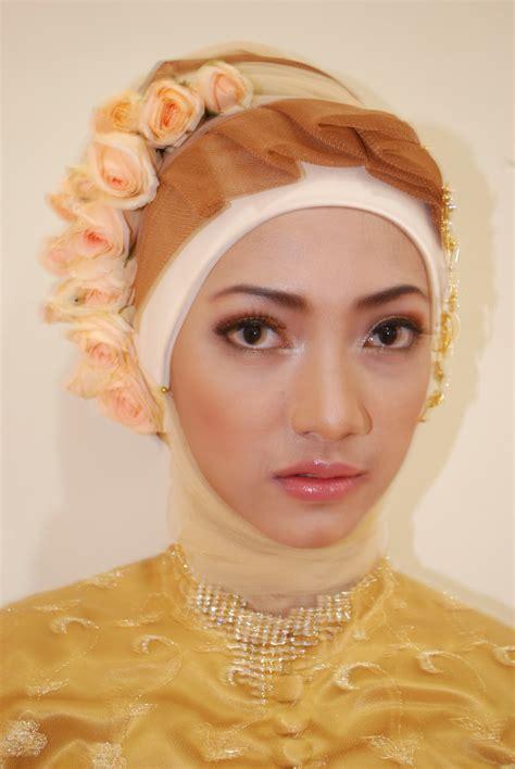 gaun soloyor penganti berjilbab ide kreasi jilbab pengantin acara ijab