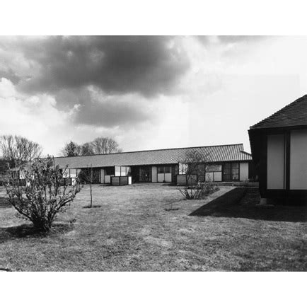 sheltered housing to buy sheltered housing at quinnettes churt surrey riba