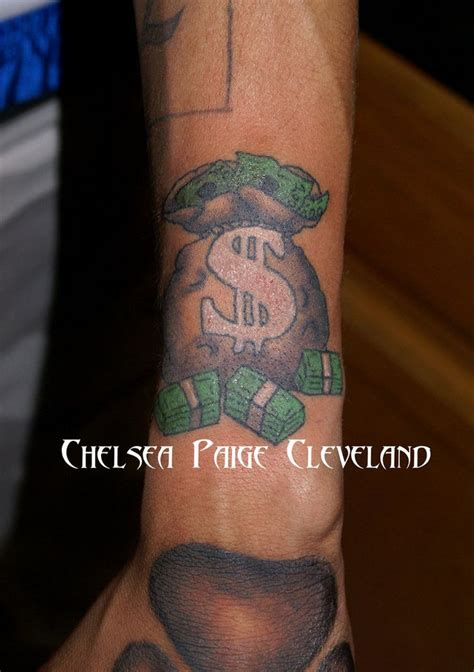 cash tattoo designs 25 best ideas about money bag on money