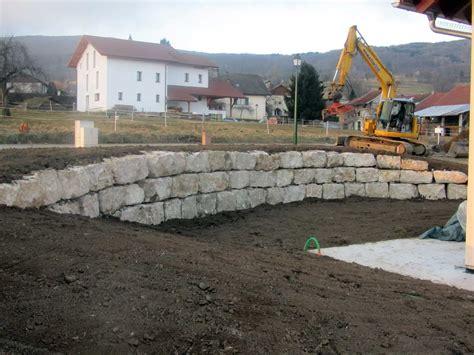 le type de pierre utilisee sera du calcaire tendre le travail se les secrets de l enrochement enrochement net