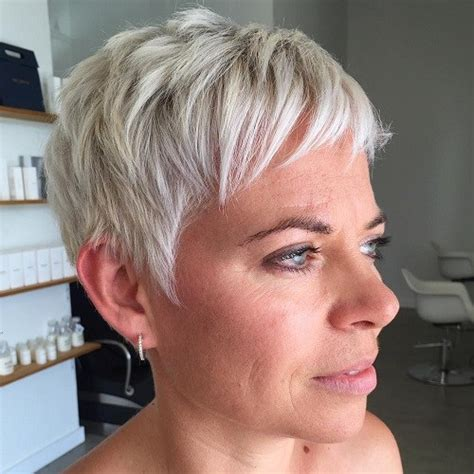 how to highlighted pixie haircuts blonde red brown ombre ed and highlighted pixie cuts