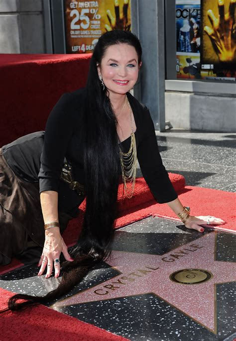crystal gayle now crystal gayle walk of fame zimbio