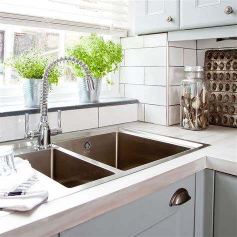 Can You Plunge A Kitchen Sink How To Unblock A Sink With Or Without A Plunger