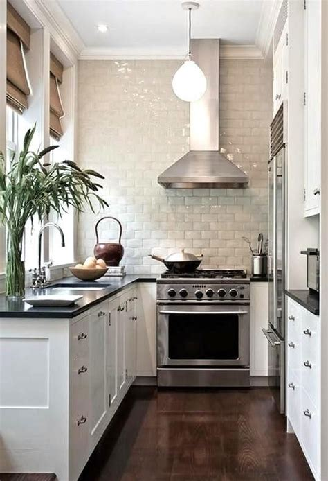 kitchens designs for small kitchens best 25 small white kitchens ideas on pinterest subway