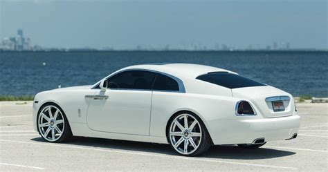 rolls royce white wraith white rolls royce wraith looks stunning on vellano 24s
