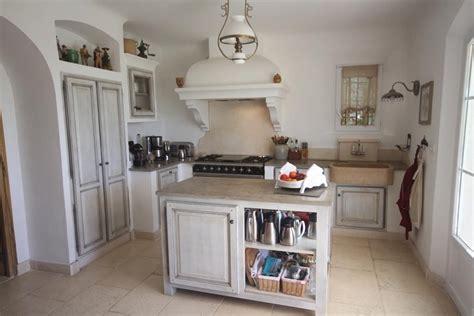 cuisine style romantique photo cuisine et marron d 233 co photo deco fr