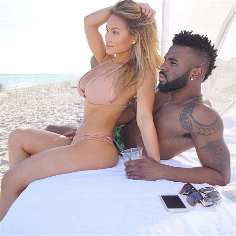 i can t take my eyes off of jason derulo s stunning new girlfriend