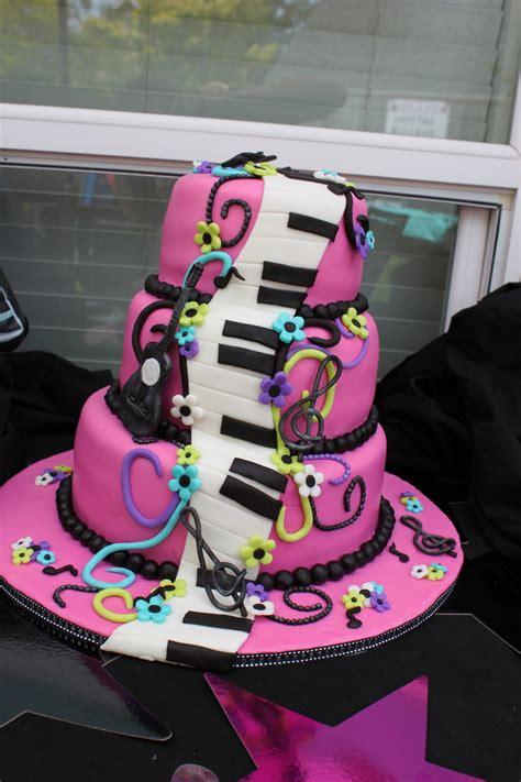 music themed birthday decorations girls karaoke birthday cake cakecentral com