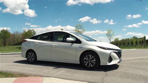 18 New 2017 Toyota Prius Prime Complete Review   tinadh.com