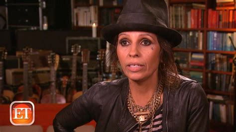 linda perry behind the music linda perry s childhood pain entertainment tonight