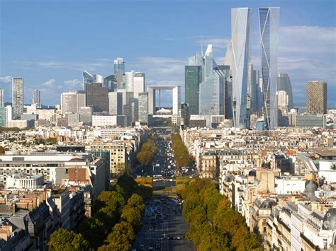 cogito urbanus la defense and the future of grand
