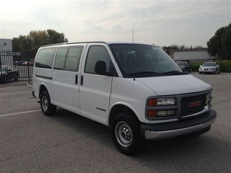 sell used 2002 gmc savana 2500 9 passenger van 5 7 v8 gas motor auto trans ice cold air in west