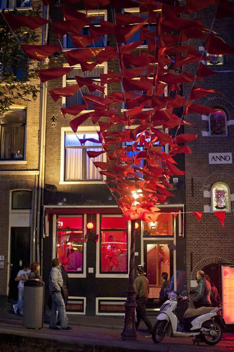 Amsterdam Light District Prices by Amsterdam S Light District Slummy Single Mummy