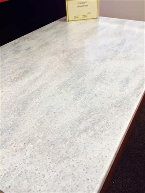 Fossil Bf Offwhite corian 174 arrowroot kitchen
