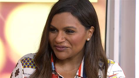 mindy kaling parents the office mindy kaling tweets on mother s day about missing late mom
