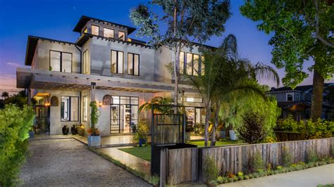 picture of homes venice beach homes selling for more than bel air or