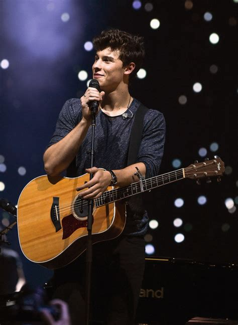 Concert Shawn Mendes shawn mendes photos photos shawn mendes performs in