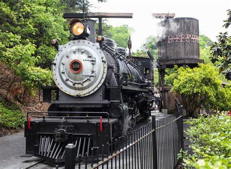 themes engine dollywood inside the biggest theme park you ve never seen