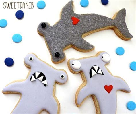 baby shark cookies 25 b 228 sta shark cookies id 233 erna p 229 pinterest
