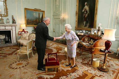Balmoral Castle Floor Plan sir donald mckinnon in queen elizabeth ii receives poet