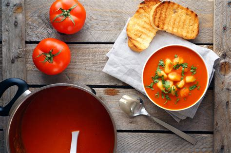 puree soup tomato gnocchi toast herbs  food wallpaper