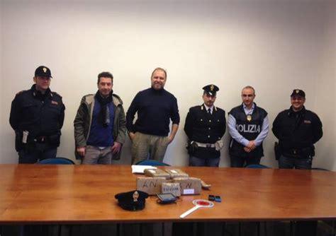 polizia di stato mantova permessi di soggiorno cercano i ladri e trovano il trafficante di cocaina