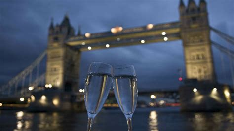 thames river cruise valentine s top 10 things to do on the river thames visitlondon com