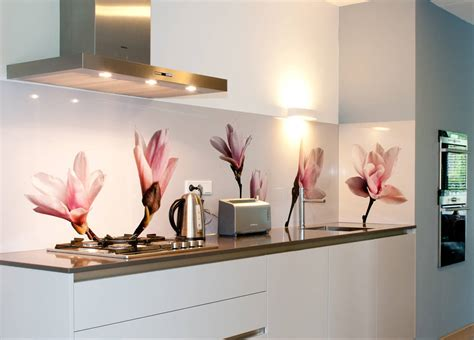 Excellent Examples Of Patterned Splashbacks For Cookers