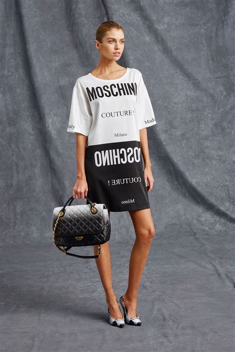 An Dress Moschino by Katy Perry Downs Wine As She At Moschino Event