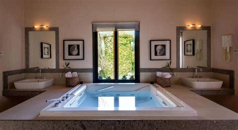 suite con idromassaggio in vicino a roma sul lago di bracciano hotel 4 stelle con