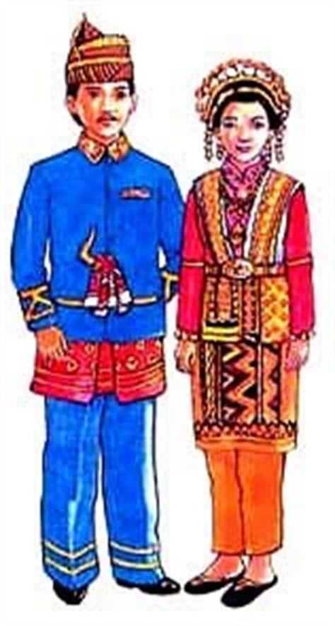 Tentang Baju Adat Aceh 9 suku di aceh musikanegri