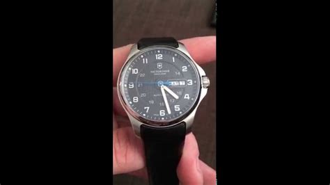 Victorinox Officer by Victorinox Officer 180 S Mechanical Overview