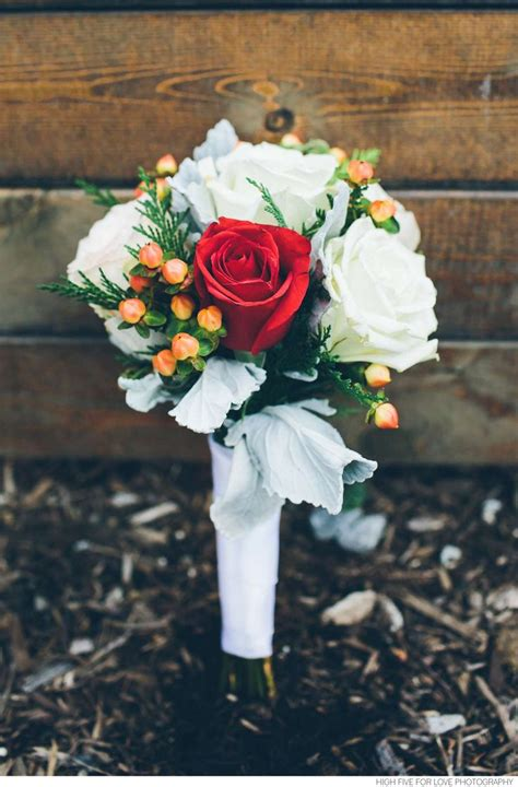 Wedding Bouquet Tips by Tips Wedding Bouquets 187 Vision In White Events