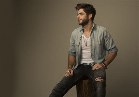 crash and burn thomas rhett thomas rhett debuts new single crash and burn sounds