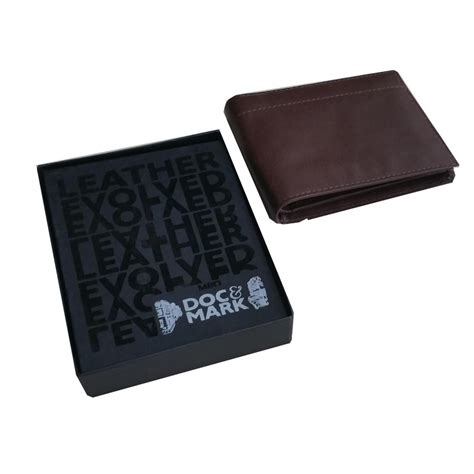 personalized gift wallets  men gift delivery  kerala