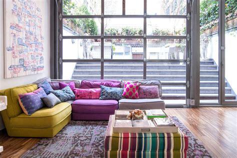 salones con sofas decorar el sal 243 n con sof 225 s de color