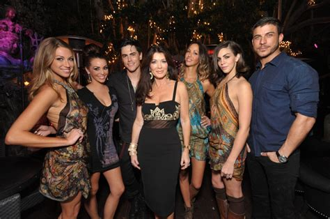 how much to the stars of vanderpump make how much do vanderpump rules cast members make how much