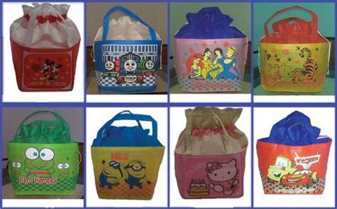 Tas Souvenir Goodie Bag Model Karakter Kepala Kartun 1 tas souvenir ulang tahun anak tas spunbond kartun goodie