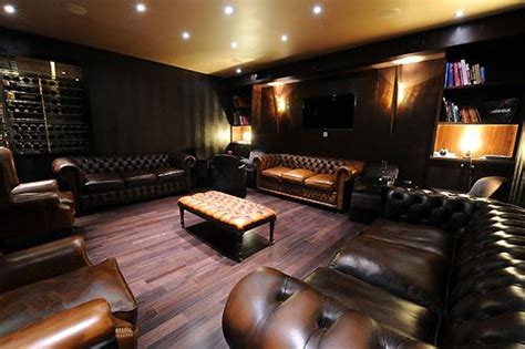 robusto room 17 best ideas about cigar lounge decor on cigar room gentlemans club and curio decor