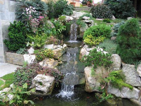 cascate artificiali da giardino cascata in giardino paesaggi garden vivaiopaesaggi