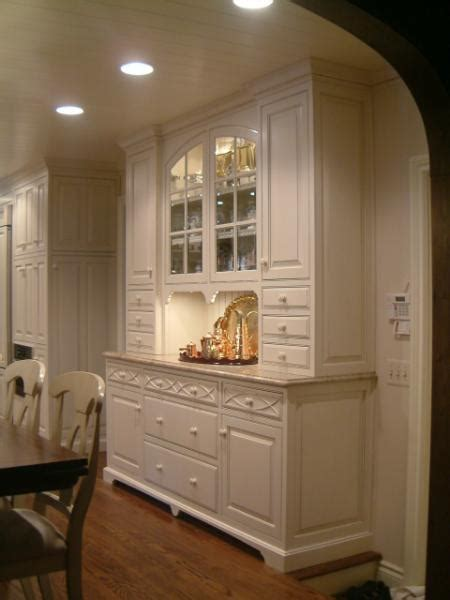 Narrow dining room hutch