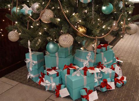 tiffany christmas tree l tiffany and co christmas tree christmas joy pinterest