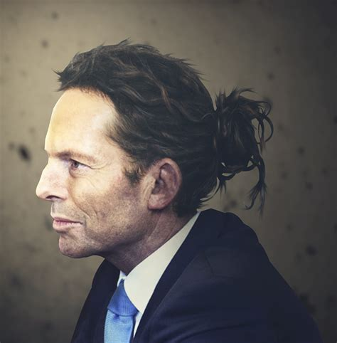 designcrowd fake politicians and world leaders with man buns and top knots