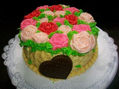 tortas decoradas en forma de canasta torta de yogur decorada con crema en forma de canasta