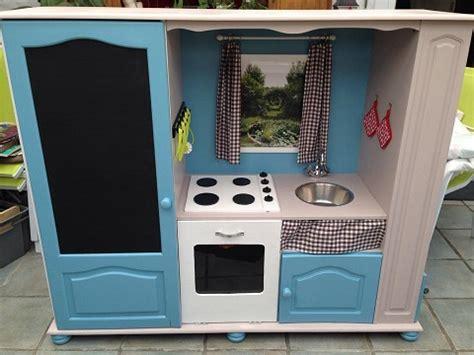 meuble cuisine enfant comment transformer un meuble tv en cuisini 232 re pour enfants