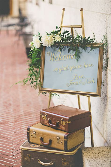 Vintage Wedding Decor by Why Vintage D 233 Cor Is The Secret To Creating A Memorable