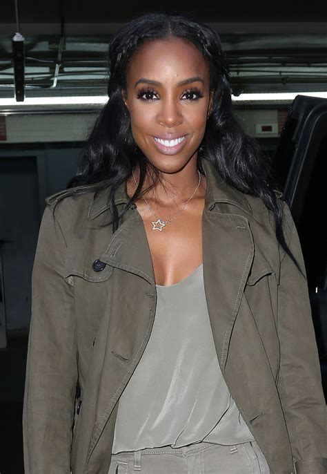 2016 kelly rowland kelly rowland leaving the aol building in new york city